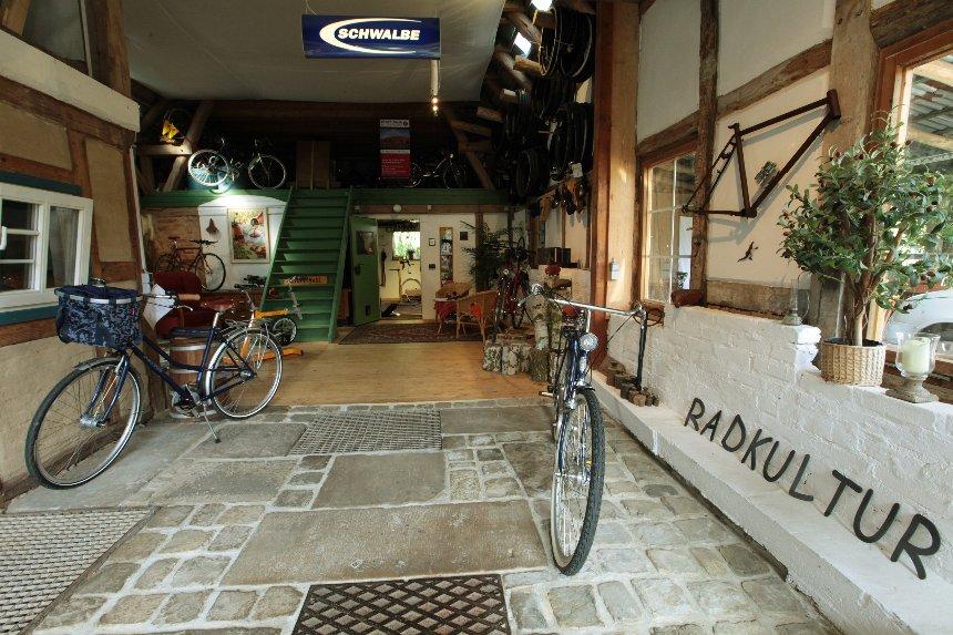 Fahrradgeschäft in der Scheune